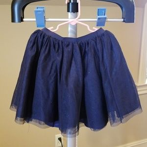 Girls size 6-8 Navy tulle skirt